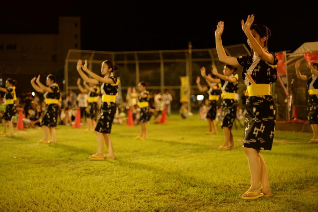 手踊り(ティーウドゥイ)