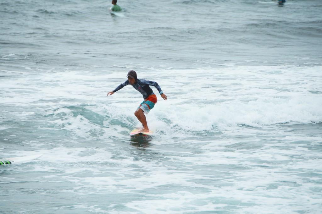 北谷 サーフィン
