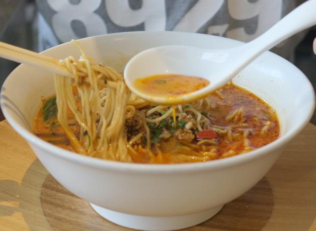 上海ヌードル珊芝麻坦々麺