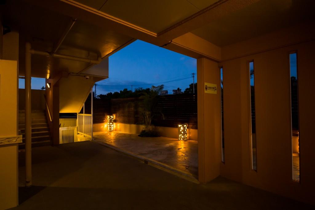1F中庭3・夜