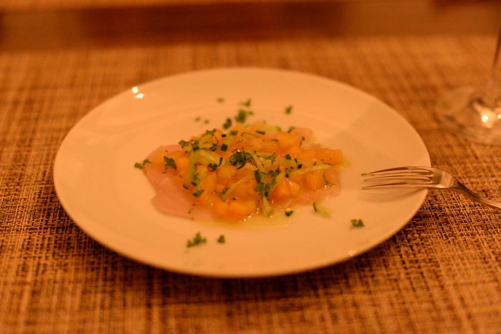 アミューズ カジキのマリネ柿のソース